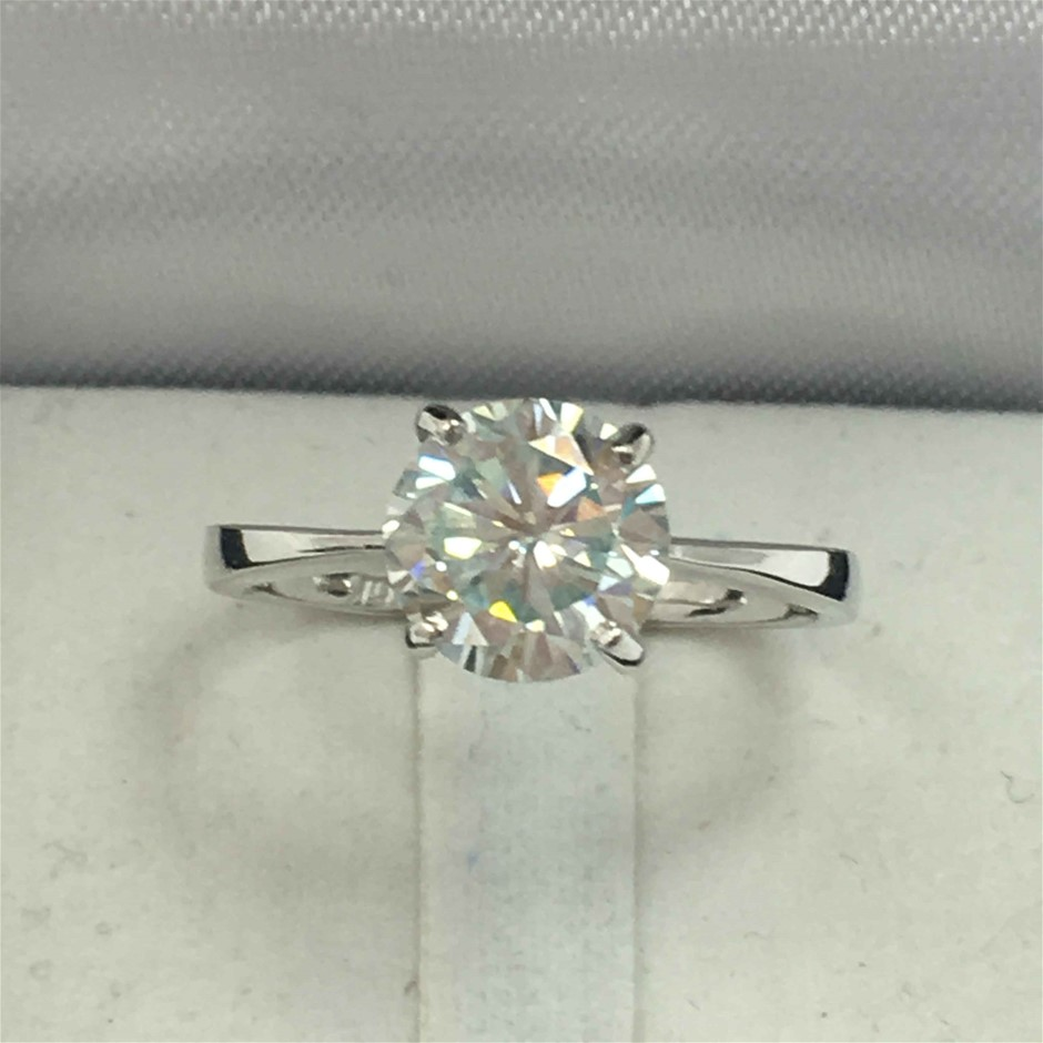 18ct White Gold, 1.47ct Moissanite Ring