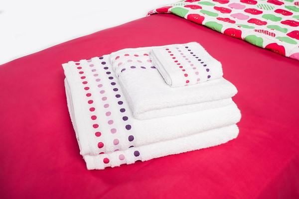 Colourful Bath Towels (Set of 2 - 1 x pink, 1 x blue)