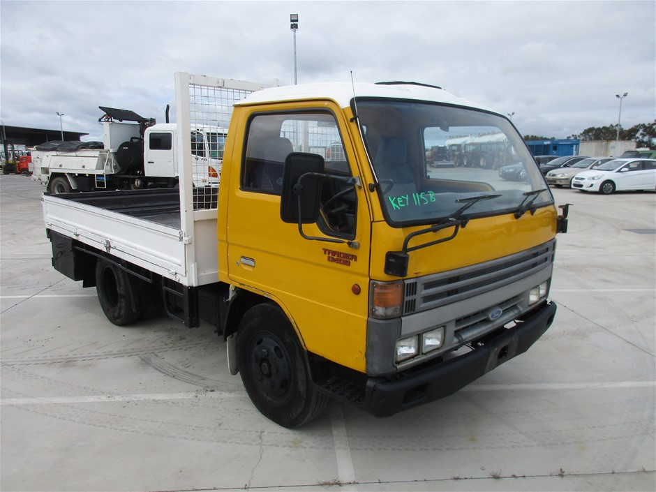 1994 Ford Trader - D409 4 x 2 Tray Body Truck