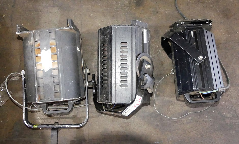 3 x assorted stage lighting
