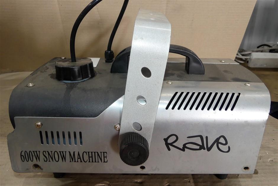 Rave 600W snow machine