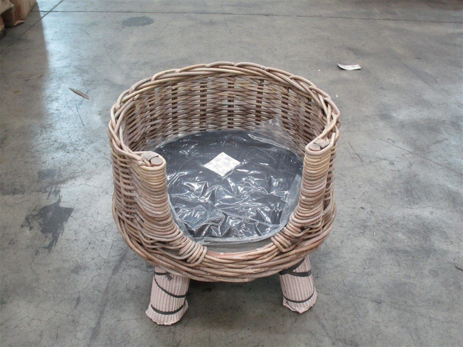 Pallet of 7 Rattan Cat Baskets with Cushion