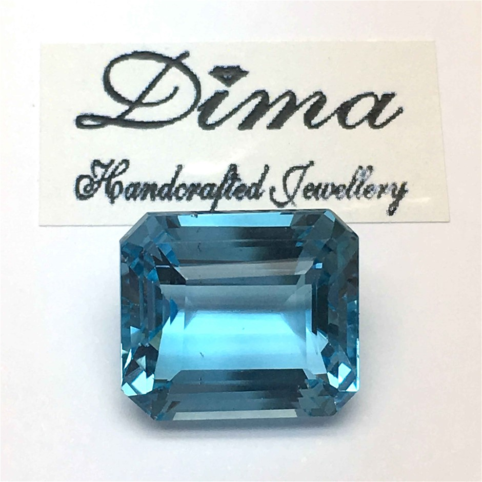 One Stone Blue Topaz 8.11ct in Total