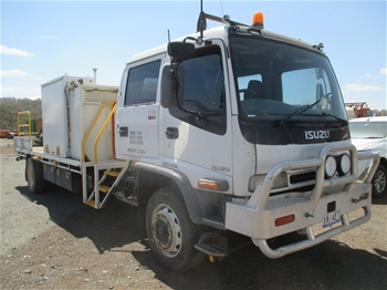 2006 Isuzu F3 FTR 4 x 2 Service Truck