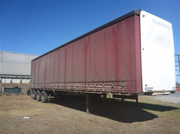 2006 Kreuger ST-3-38 Triaxle Curtainsider Trailer