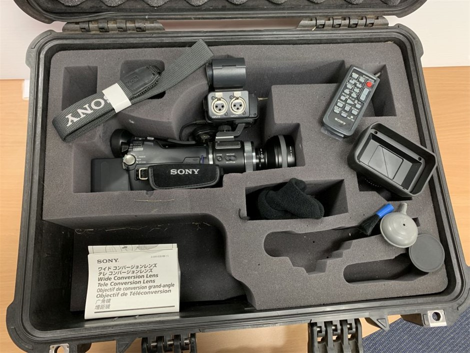 DIGITAL SONY HDV 1080L VIDEO CAMERA
