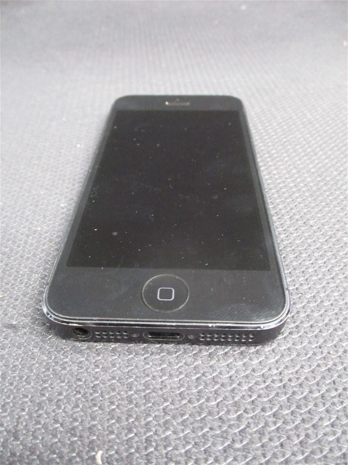 Apple iPhone 5 GSM+CDMA 16GB Black Mobile Device