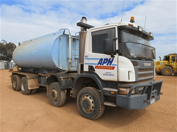 2006 Scania - 8 x 6 Water Truck