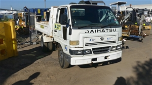 2002 Daihatsu Delta Tipper Truck