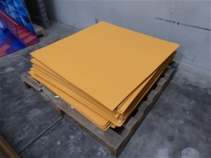 Qty Approx 60 x PRF Large Rubber Floor T