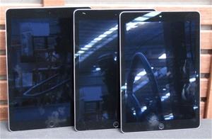 Qty 3 x Apple A1566 Ipad Air 2 - All loc
