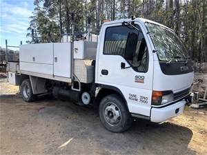 2004 Isuzu NPR400 Service/Tool Truck