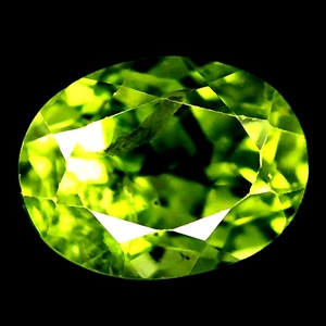 2.66ct. Genuine oval facet Green Peridot