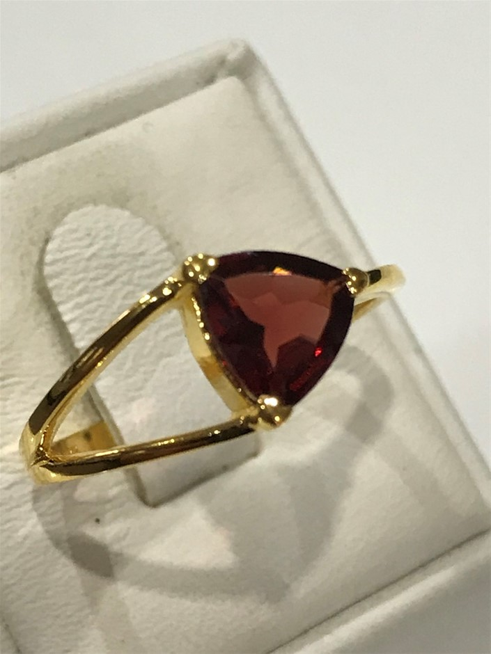 Brilliant 2.00ct Garnet & 18K Gold Vermeil Ring