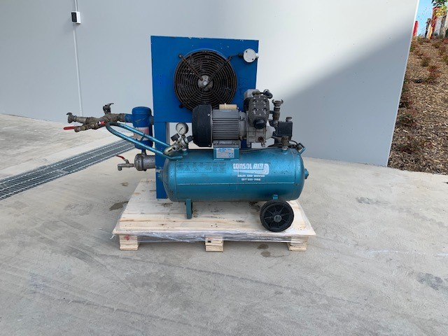 Twin cylinder Air Compressor with air cooler / dryer (266639-9)