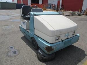 2005 Tennant 6650XP Sweeper