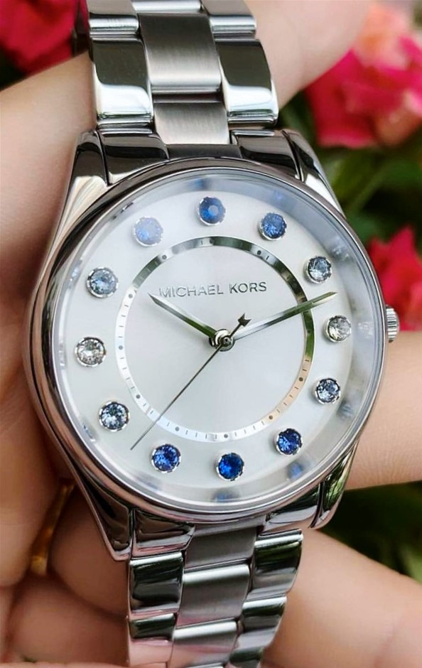 Ladies new Michael Kors Couture NY 'Colette' fabulous watch.
