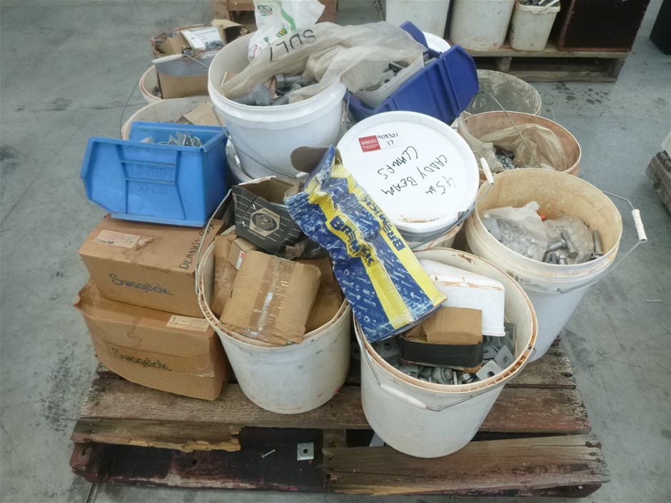 Pallet of Assorted Fixings