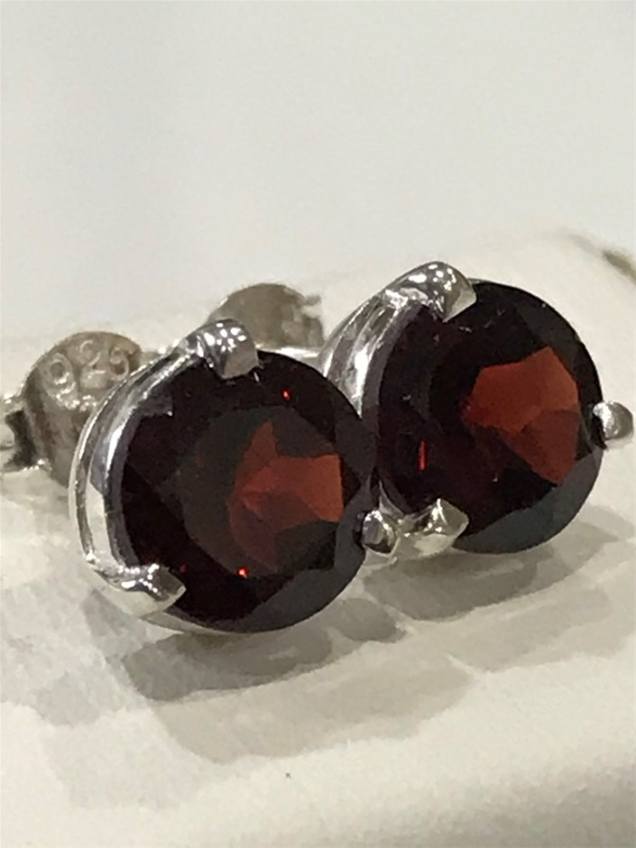 Stunning Genuine 3.20ct Garnet Stud Earrings