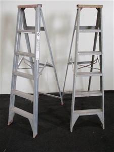Qty 2 x Geelong Step Ladders