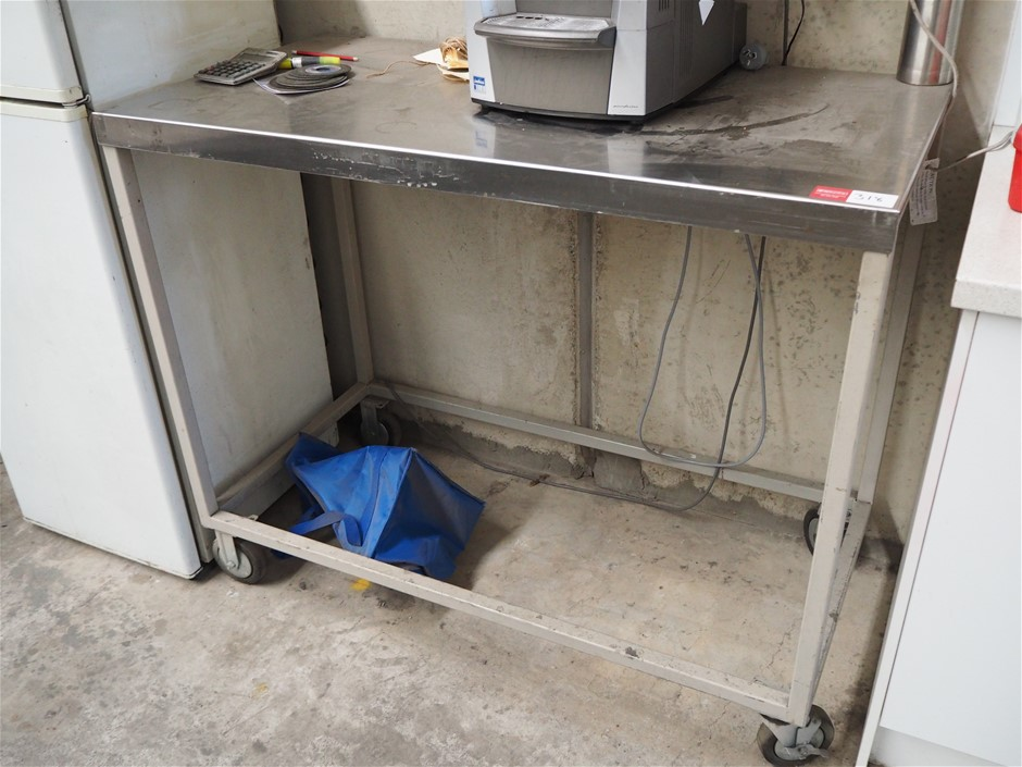 Stainless Steel Top Bench Steel frame