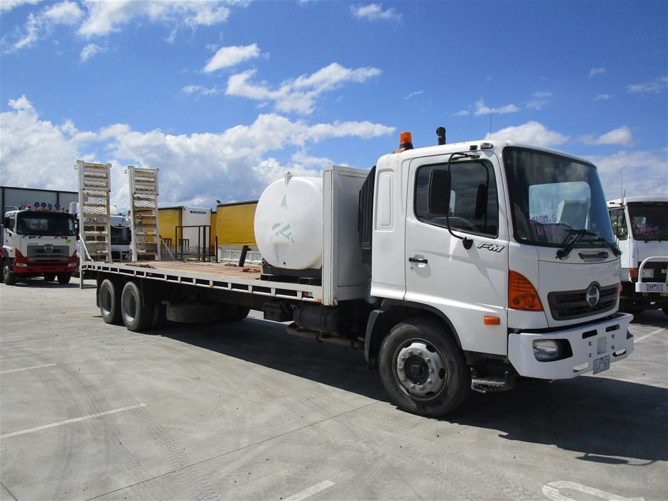 2005 Hino FM1J 6 x 4 Beavertail Truck