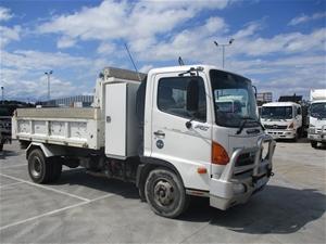 2006 Hino 4 x 2 Tipper Truck