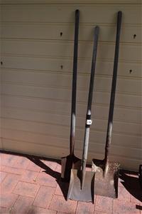 Lot of 3 Long Handle Shovels