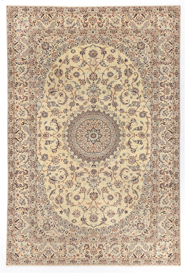 Persian Nain 6la Hand Knotted 100% Wool pile Size (cm): 202 x 303