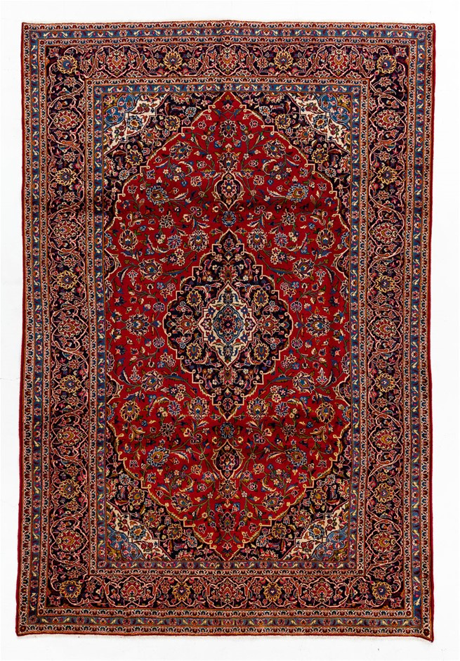 Persian Kashan Hand Knotted 100% Wool Pile Size (cm): 235 x 355