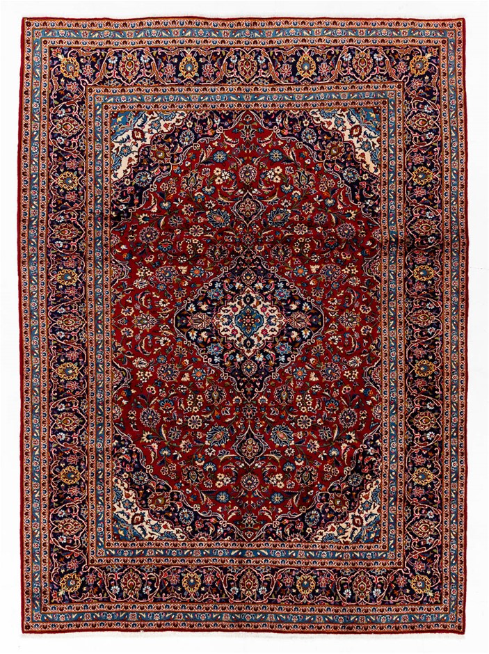 Persian Kashan Hand Knotted 100% Wool Pile Size (cm): 240 x 338