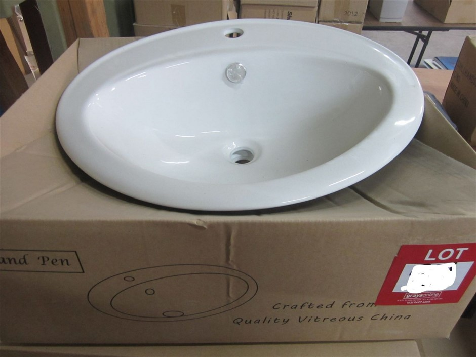 Cob and Pen Round Ceramic basin.