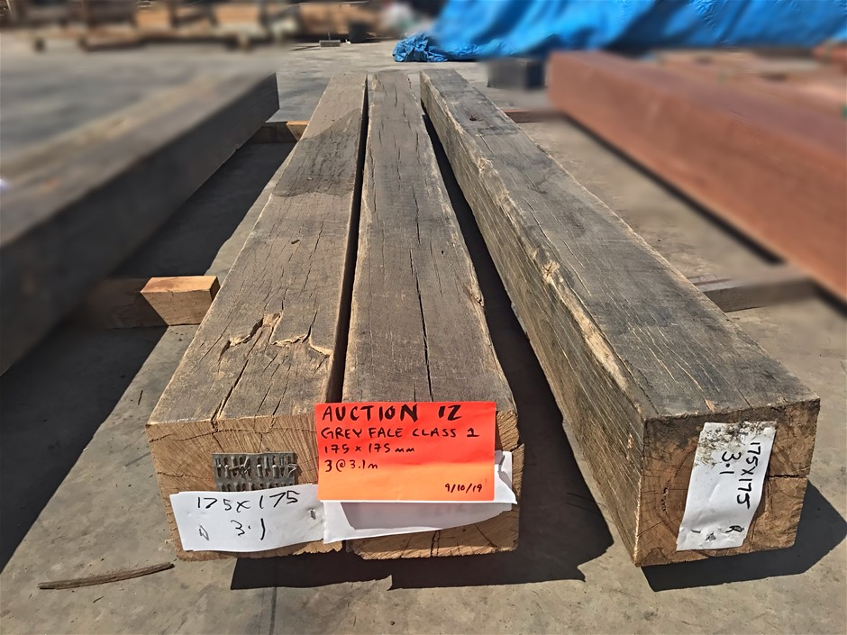 Grey Face Wire Brushed Hardwood Posts x3 - 9.3LM - 175x175mm