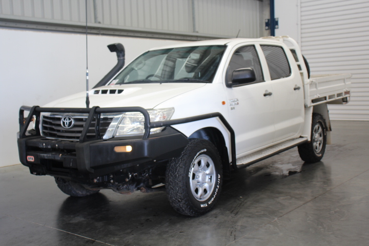 2012 Toyota Hilux 4X4 SR Turbo Diesel Dual Cab Chassis 153,123km