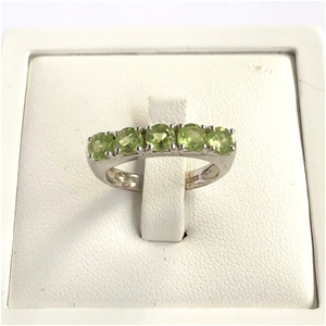Elegant 925 Sterling Silver Peridot Ring