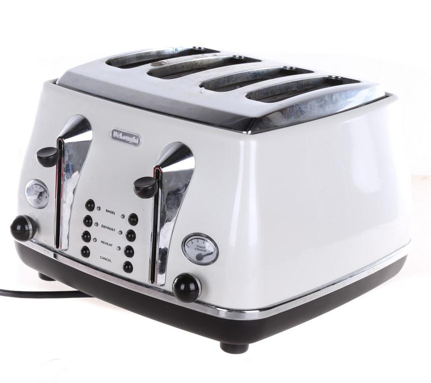 DeLonghi 4-Slice Toasters. N.B. Not in original packaging has had minor use