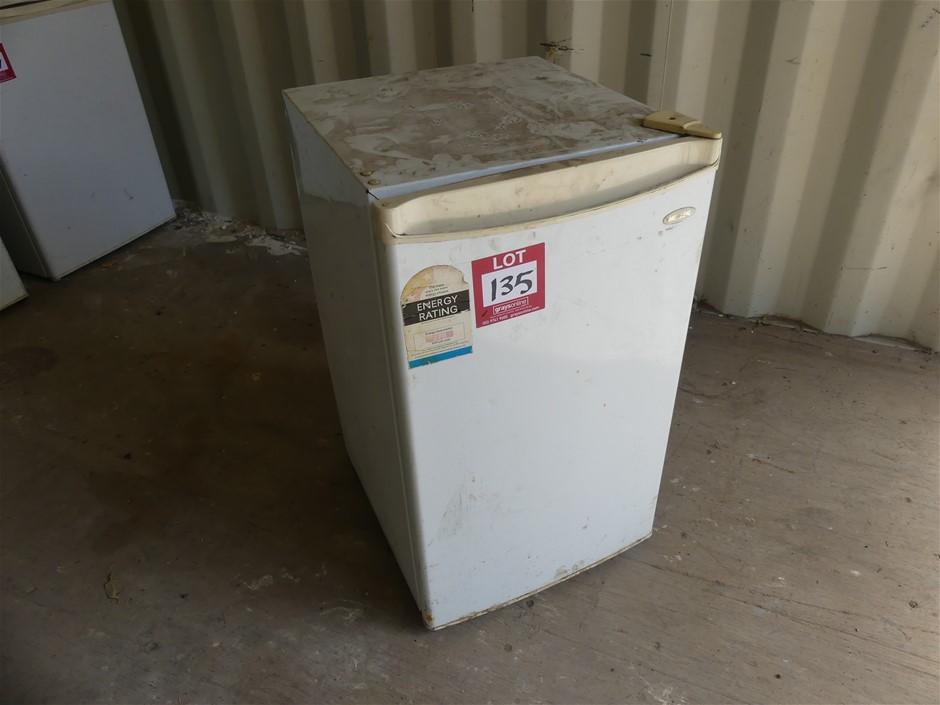 Heller BFH120 120L Refrigerator Make: Heller Model: B