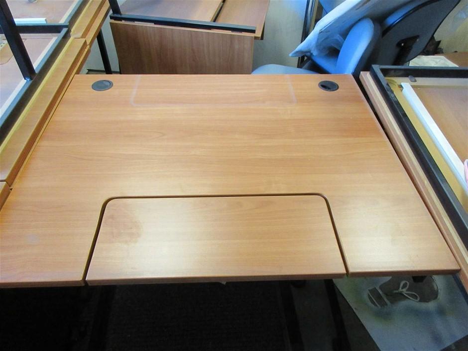 1x Mobile Timber Laminate Computer Desk 1000 x 800
