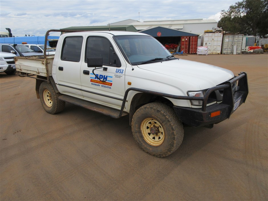 Toyota Hilux 4WD Dual Cab Chassis
