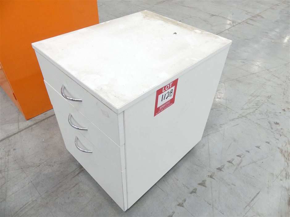 1x Mobile Under Desk Filing Cabinet