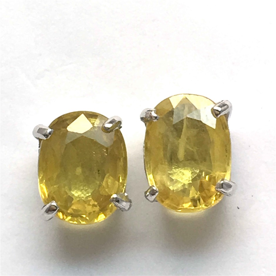 18ct White Gold, 4.06ct Yellow Sapphire Earring