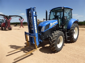 2017 New Holland T5.95 Electro Command Tractor