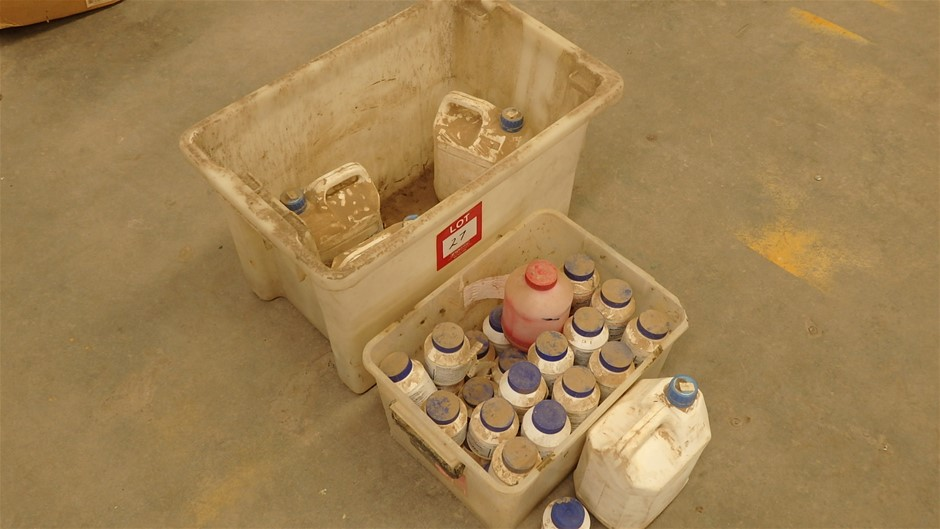 Plastic Tubs of Vinidex PVC Glue