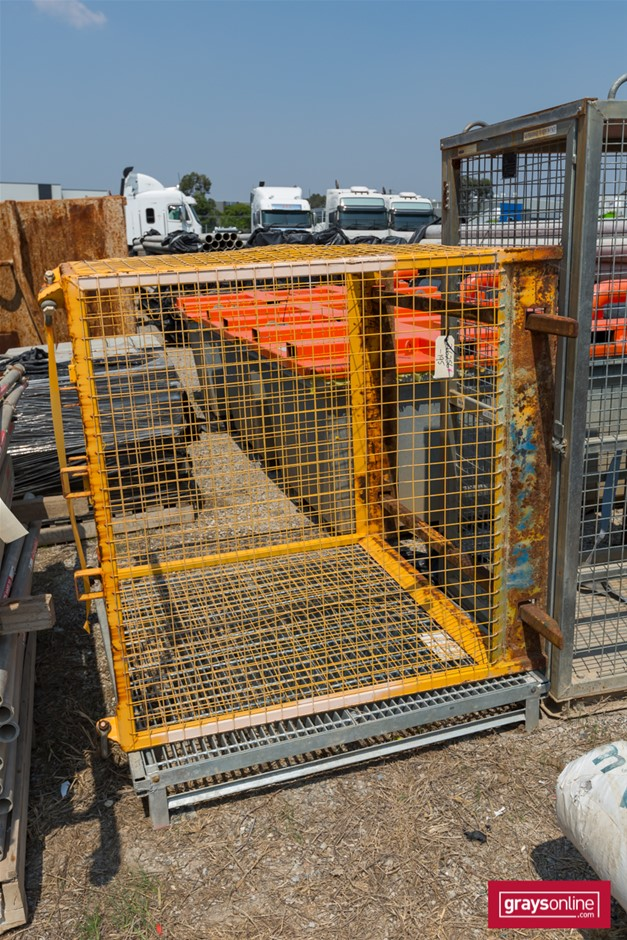 Galvanised Pit Cover and Hoisting Cage Pit Cover is Galvanised