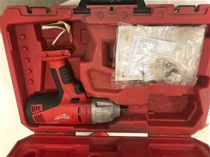 Milwaukee 28v Battery Impact Wrench with