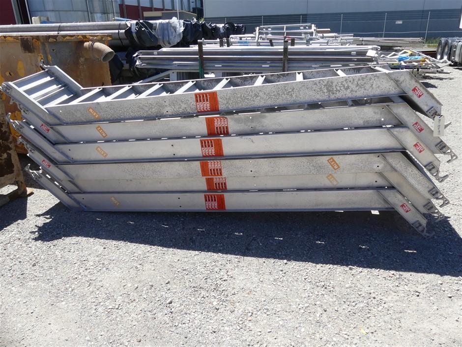 ProScaf Assorted Scaffolding Componets Make: ProScaf