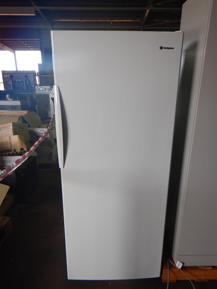 Westinghouse WRM4300WB Refrigerator