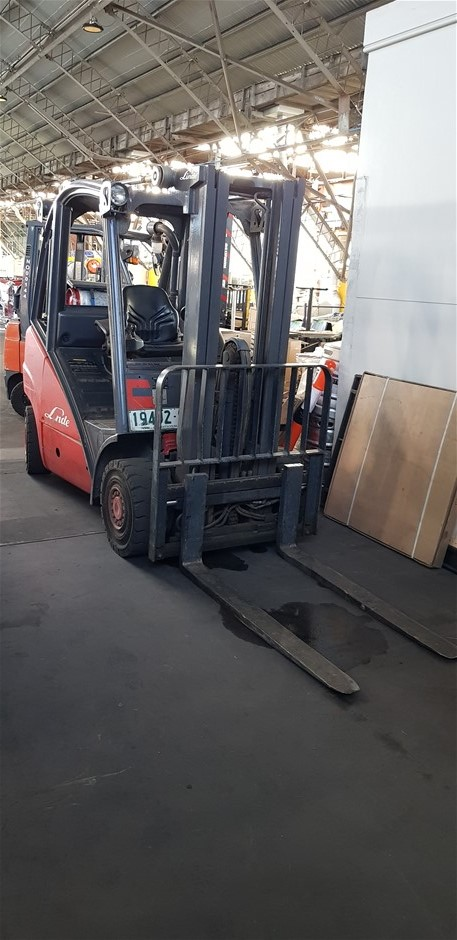 Linde H25T 2.5 Ton Gas Counter Balance Forklift
