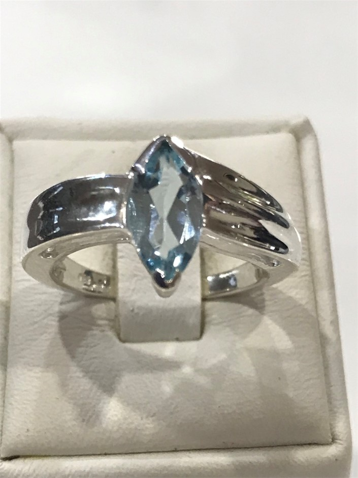 Impressive 1.20ct Blue Topaz Ring