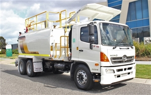 2013 Hino FM Water Truck Automatic 107,4